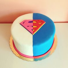 Superman or Superwoman? by 2tarts Bakery / New Braunfels, Texas / www.2tarts.com