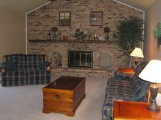 Brick Fireplace Wall, Brick Fireplace Makeover, Fireplace Remodel, Fireplace Design, Fireplace Kitchen, Brick Wallpaper, Game Room, Design Trends, Family Room
