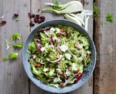 Shaved broccoli & fennel salad with roasted salt almonds - A tasty love story