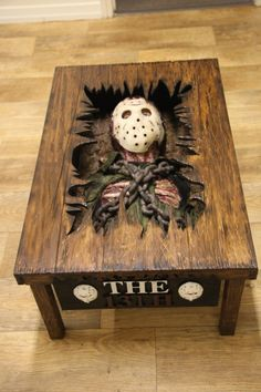 The Decaying Body Of Friday The Jason Lies Inside This Table - Horror movies - Welcome Haar Design Horror Crafts, Horror Decor, Gothic Furniture, Cool Furniture, Geek Furniture, Halloween Crafts, Halloween Decorations, Scary Decorations, Horror Room