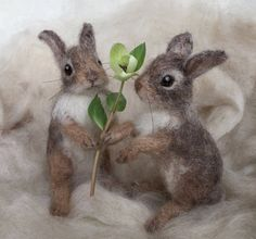 Needle Felted Cottontail Bunny Rabbit Baby Poseable by Needle Felt Artist Claudia Marie Needle Felted Animals, Felt Animals, Needle Felting, Wool Felting, Needle Felted Ornaments, Felt Ornaments, Felt Bunny, Rabbit Baby, Felt Mouse