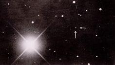Imagens 100 anos antes e depois                                              A melhor imagem já feita de Plutão - 1930 e 2015