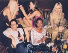 Kristy Hume, Kate Moss, Marc Jacobs and Naomi Campbell in the 90s. #throwbackthursday