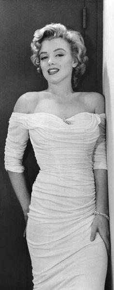 Mаrilyn Monroe in a white dress for Life Magazine, 1952