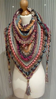 Trendy Crochet Shawl Pattern Free Lost In Time - Crochet Crochet Shawls And Wraps, Knitted Shawls, Crochet Scarves, Crochet Clothes, Mobiles En Crochet, Crochet Mobile, Crochet Crafts, Crochet Woman, Crochet Lace