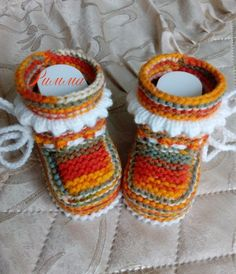 Knit Baby Shoes, Knit Baby Dress, Baby Boots, Knitted Booties, Crochet Baby Booties, Knit Crochet, Crochet Hats, Baby Slippers, Baby Knitting Patterns