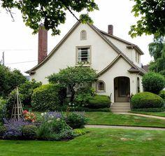 Bellísima casa, bellísimo jardín !!