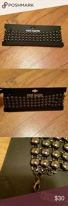 🚨FLASH SALE🚨NWT- STEVE MADDEN BLACK CHOKER! 🆕NWT- STEVE MADDEN BLACK CHOKER - VERY POPULAR DESIGN AND SUPER SEXY LOOK!  🌹NWT-BRAND NEW WITH TAGS 🌹100 AUTHENTIC 🌹 SAME DAY SHIPPING 🌹 NO TRADES  🚫CLOSET RULES POSTED PLEASE READ AND FOLLOW NO RUDE COMMENTS LETS ALL BE RESPECTFUL😊 Steve Madden Jewelry Necklaces
