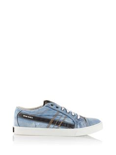 Diesel D STRING LOW Casual Shoe: explore this product & the exclusive collection. Shop now on the official store!