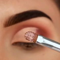 Makeup Tricks to Look Younger : 11 Ways . - Makeup Tricks to Look Younger : 11 Ways to Look Younger With Makeup – - Makeup Tricks, Eye Makeup Tips, Makeup Goals, Skin Makeup, Makeup Inspo, Eyeshadow Makeup, Makeup Cosmetics, Makeup Inspiration, Cat Eyeliner