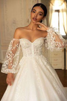 Cute Wedding Dress, Best Wedding Dresses, Bridal Dresses, Boho Wedding, Classic Wedding Dress, Wedding Ideas, Romantic Wedding Gowns, Sleeve Wedding Dresses, Floral Wedding Dresses