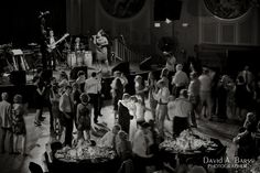 wedding-reception-dancing-vintage_davidbarssphotographer