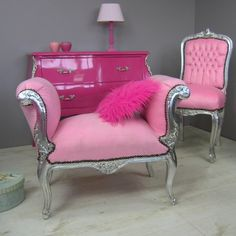 If I had a bigger house I could do some really cute decorating with this love it