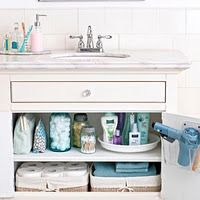 His and Hers Bathroom Cabinet Organization Having trouble organizing shared spaces? Get practical tips and ideas for creating His and Hers Bathroom Cabinet Organization at Organize Your Life, Organizing Your Home, Organizing Tips, Cleaning Tips, Organising, Speed Cleaning, Cleaning Schedules, Weekly Cleaning, Cleaning Checklist