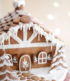 100 Best Gingerbread House Ideas Holiday Treats, Christmas Treats, Christmas Cookies, Diy Christmas, Holiday Parties, Holiday Fun, Holiday Baking, Christmas Baking, Italian Christmas