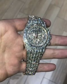 Watches have actually turned into one of the most popular online purchases. Big Watches, Stylish Watches, Luxury Watches For Men, Cool Watches, Expensive Watches, Expensive Jewelry, Audemars Piguet Watches, Hand Watch, Cute Jewelry