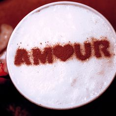Amour. Stencil art cofee.  http://loover.fr