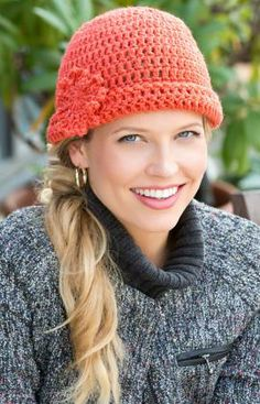 Free crochet pattern for this peach hat.