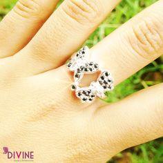 Si buscas un accesorio delicado y femenino, este anillo es para ti. Las mariposas representan libertad, felicidad y transformación. Precio: $39.200