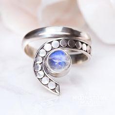Moonstone Ring - Sneaky Light