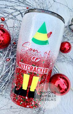 Diamond Tumblers Designs, LLC by DiamondTumblers Christmas Quotes, Christmas Themes, All Things Christmas, Christmas Crafts, Diy Tumblers, Custom Tumblers, Glitter Tumblers, Mom Tumbler, Tumbler Cups