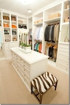 Great organized closet inspiration!