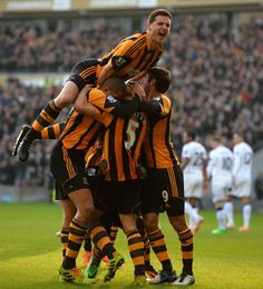 Hull City celebrating against Manchester United - City Quiz - Hull City Fc, Football Soccer, Manchester United, Premier League, The Unit, Celebrities, Sports, Tigers, England