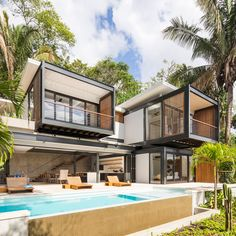 Movable wooden walls front Benjamin Garcia Saxe's Ocean Eye House – Industrial Design Tenerife Modern Tropical House, Tropical Houses, Houses In Costa Rica, Rest House, House 2, Casas Containers, Container House Plans, Steel House, Shipping Container Homes