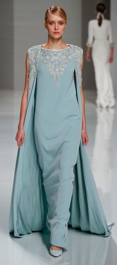 If you wanna go for sweet sophistication, then the Georges Hobeika Haute Couture Spring 2015 collection will surely catch your eye! Georges Hobeika, Gala Dresses, Evening Dresses, Runway Fashion, High Fashion, Women's Fashion, Turquoise, Red Carpet Fashion, Couture Collection
