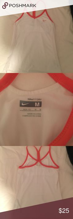 Nike workout Tank Nike workout tank with Built in bra Nike Tops Tank Tops