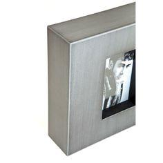 Κορνίζα Industrial Look Square Grey Μεταλλική κορνίζα με απλές, λιτές γραμμές. Μπορεί να τοποθετηθεί επάνω σε ένα ράφι ή να κρεμαστεί στον τοίχο σε οριζόντια ή κάθετη θέση. Just For Men, Magazine Rack, Storage, Furniture, Home Decor, Purse Storage, Decoration Home, Room Decor, Larger