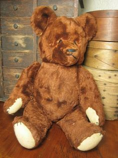 Charming Old Jointed Teddy Bear  #HannahsHouseAntiques  #Vintage  http://www.rubylane.com/item/497177-7879/Charming-Jointed-Teddy-Bear