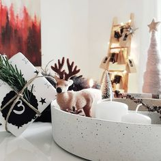 #christmas #advent #interiordesign #whiteliving #whitehome #interior4all #interiorlovers #interiorandhome #interior_design #interior_and_living #decor #decorideas #interiorwarrior #germaninteriorbloggers #homedecor #interior_instas #interiorwife #mynordicroom #nordicstyle #scandic #scandinaviskehjem #danish #minimalism