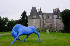 Meltemi au Château de la Chapelle-Chaussée - sculpture de cheval monumentale