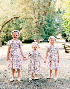 30 Flower Girl Photos to Brighten Up Your Day #flowergirl #flowergirldress #kiddos see more: https://ruffledblog.com/30-flower-girl-photos-brighten-your-day