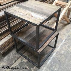 Salontafels, bijzettafels van sloophout eiken en een stalen frame onderstel. #salontafel #bijzettafel #eiken #eikenhout #luxe #stoer #staal #kubus