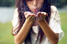 glitters <3