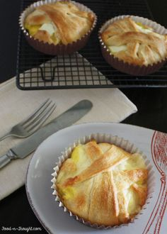 Panera Bread's Baked Egg Souffle (copycat recipe) (Personal Note: This is not really copycat recipe as it is not a souffle. But it is interesting and I am going to try it because the flavors should be similar. Food And Thought, Think Food, I Love Food, Good Food, Yummy Food, Delicious Breakfast Recipes, Dessert Recipes, Egg Recipes, Desserts