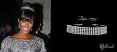 Naomi Campbell no deja nunca de sorprendernos... Adapta tu estilo con nuestra tiara de cuatro filas de cristales austriacos.