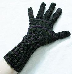 Ravelry: Knotty Gloves pattern by Julia Mueller - Free pattern 4 ply yarn.