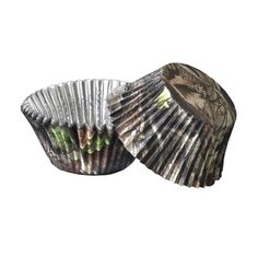 These Foil Lined Camo Cupcake Liners stand up to the oven and the cupcake itself. No fading, bleeding, or changing after baking, just yummy cupcakes served up in camo! Perfect for bridal showers, birthday parties, bake sales, weddings, etc!36 baking cups per package. Standard 2 inch diameter base.