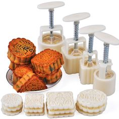 50g and 100g Moon Cake Moulds Hand Pressure Round & Square DIY Biscuits Molds Cookie Cutters Set Cake Tools 16pcs/set CT035 - £10.62
