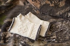 Ardea twined mitts by spinnity, via Flickr
