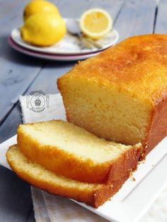 Lemon cake: Recipe by Pierre Hermé Bolo Fondant, Fondant Cakes, Sweet Cooking, Cake Recipes From Scratch, Homemade Cake Recipes, Salty Cake, Cake Factory, Food Cakes, Savoury Cake
