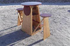 Складные стулья со столиком.