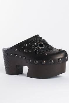 Make an entrance in #BottegaVeneta #10022Shoe