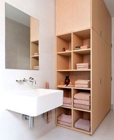 Re-organize your towels & toiletries during your next round of spring cleaning. Look at some of the cool small bathroom storage ideas! Bad Inspiration, Bathroom Inspiration, Bathroom Ideas, Bathroom Organization, Bathroom Renovations, Bathroom Furniture, Modern Bathroom Decor, Bathroom Trends, Scandinavian Bathroom