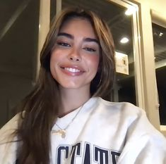 Madison Beer Outfits, Madison Beer Hair, Madison Bear, Estilo Madison Beer, Cute Poses, Ginger Hair, Pretty Makeup, Celebs, Celebrities