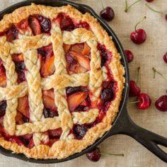 Cherry-Peach Pie Cherry Peach Pie Recipe, Peach Pie Recipes, Cooking Gadgets, Cooking Recipes, Raw Recipes, Skillet Recipes, Cooking Tools, Pumpkin Creme Brulee, Deserts