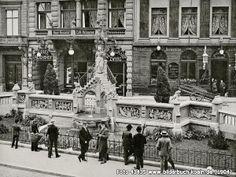 Heinzelmännchen-BrunnenvorHotelReichshof, Am Hof, 50667 Köln - Altstadt-Nord (1904)